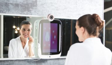 HiMirror: The first ever smart mirror to focus on your flaws